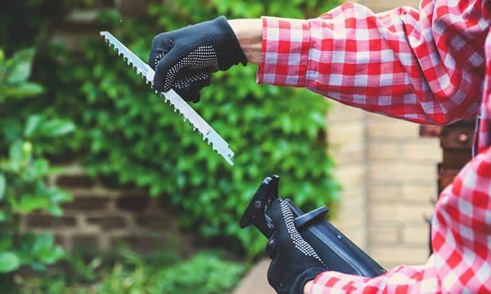 reciprocating-saw-blade-change