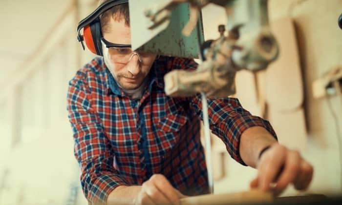 bandsaw cutting wood