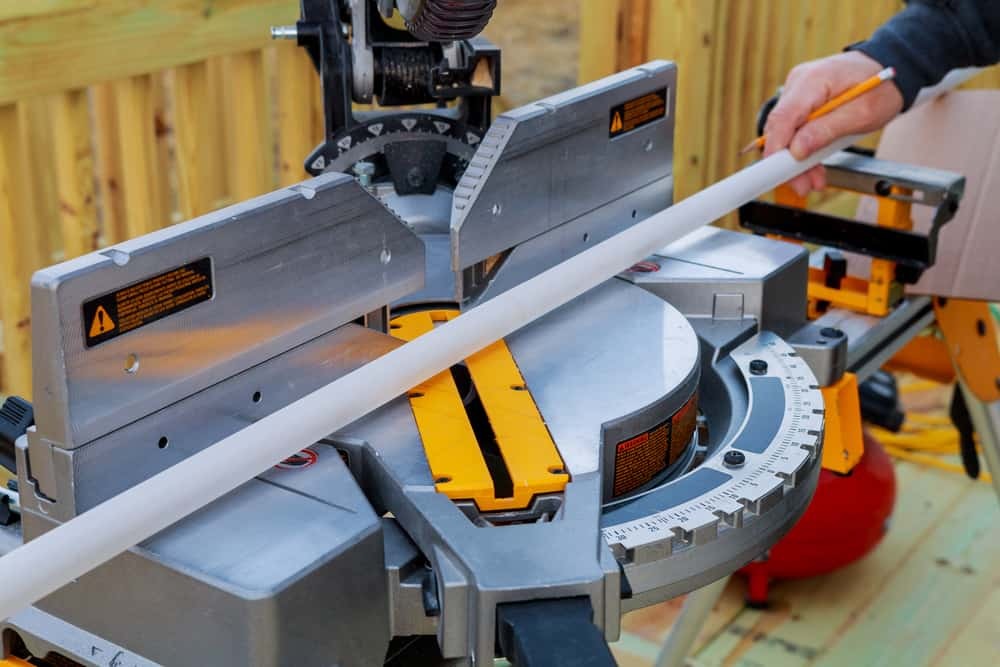 Sliding vs non-sliding miter saw